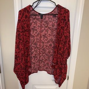 Red kimono with small black details- short sleeve